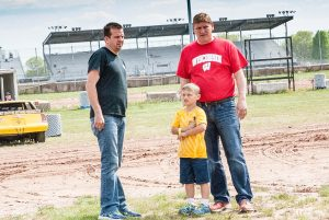 Bob Cullen (right) and Brian Shirley (left) are teaming up in 2016 traveling across the country racing dirt Late Models.